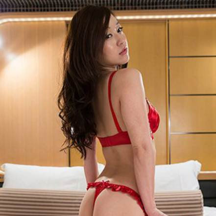 Experience the Sensual Service with Expertise by Asian Escorts in New York